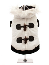 Luxury White Toggle Quilted Ski Parka - A cute ski parka that would fit in on the ski slopes of St. Anton! The <br />arms and hem are both elasticated to ensure the best possible fit. While <br />the velcro fastening makes it easy to take on and off your dog. The <br />black fleece material lining will keep your dog cosy and warm.